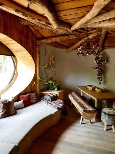 Pairi Daiza Resort Full Moon